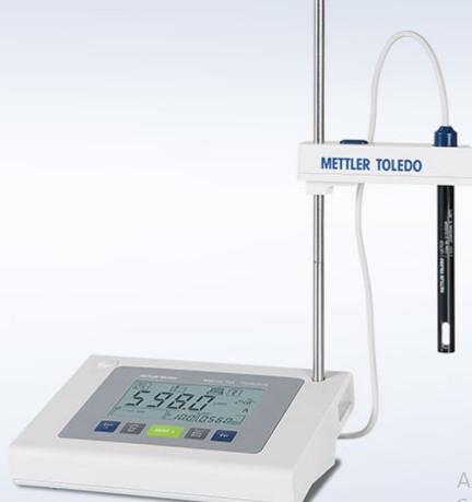 Máy đo pH để bàn Mettler Toledo